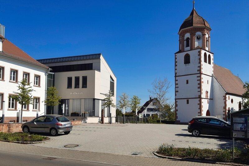 Ortsmitte Neuhausen