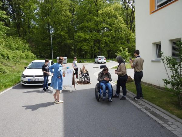 Unterwegs im Rollstuhlparcours