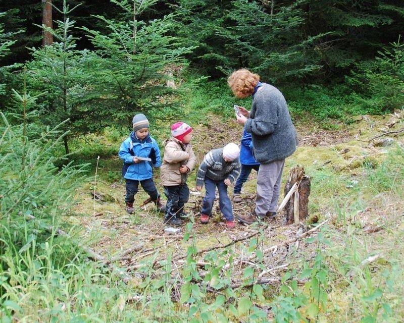 Wichtelgruppe im Wald
