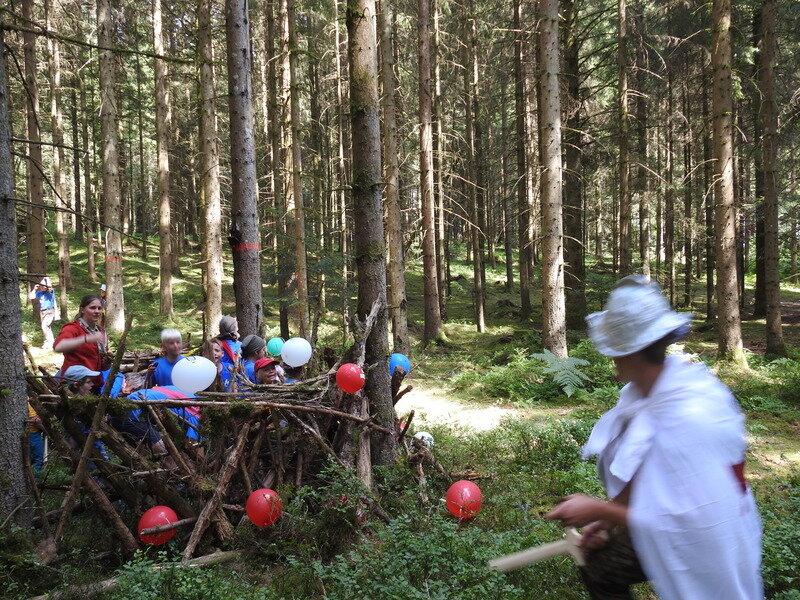 Befreiung der Niederlande – Wölflinge spielen auf dem Sommerzeltlager